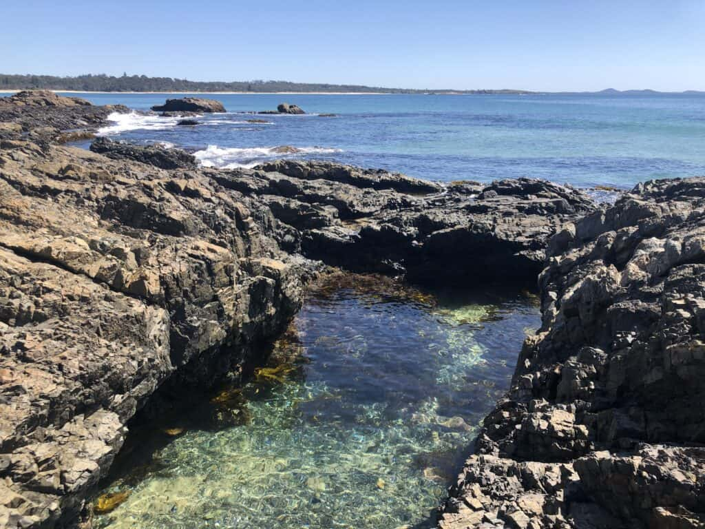 Woolgoolga Headland pool and sea