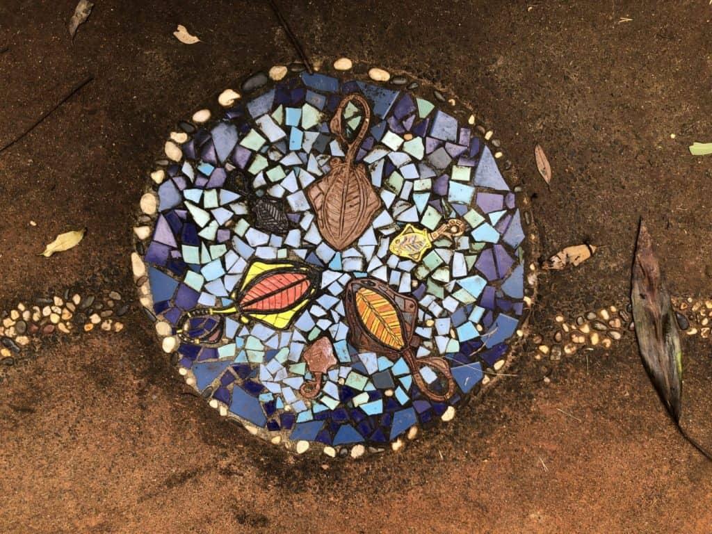 Ray motif at Pines Picnic area